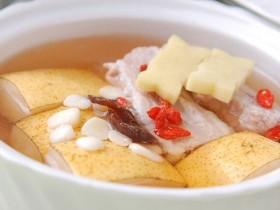 秋天干燥喉咙发痒,推荐3种清心润肺养生茶