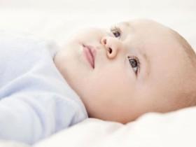 一个月的宝宝吃多少-一个月的宝宝奶量标准