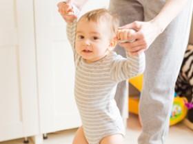 三个月的宝宝发育标准